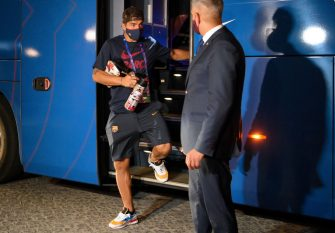 Barcelona's Uruguayan forward Luis Suarez arrives at the team's hotel after being defeated during the UEFA Champions League quarter-final football match against Bayern Munich at the Luz stadium in Lisbon on August 14, 2020. (Photo by LLUIS GENE / AFP) (Photo by LLUIS GENE/AFP via Getty Images)