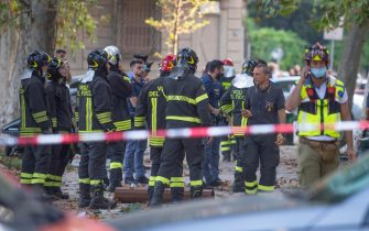 Police and firefighters at the site where there was an explosion in an apartment this morning in Milan, Italy, 12 September 2020.  Five people were slightly injured and one more seriously the first balance of the explosion that occurred this morning in a building in Piazzale Libia in Milan.  ANSA/Andrea Fasani