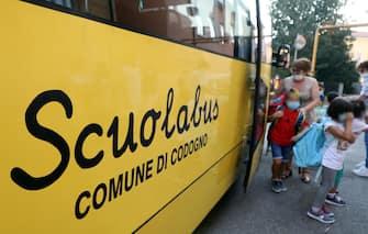 Inizio dellanno scolastico all'istituto comprensivo di  Codogno, il comune in provincia di Lodi che per primo in Italia  stato dichiarato zona rossa a causadella pandemia da Covid19. Codogno (Lo), 14 Settembre 2020.ANSA / MATTEO BAZZI
