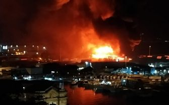 L'incendio che si Ë sviluppato nel porto di Ancona, 16 settembre 2020.ANSA/Marina Verdenelli