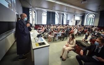 Un momento della prima sessione di laurea in presenza al Politecnico di Milano, 24 Settembre 2020. ANSA/MATTEO CORNER