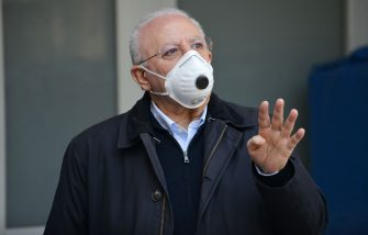 SALERNO, ITALY - MAY 07: Vincenzo De Luca Regione Campania president wearing a mask on May 07, 2020 in Various Cities, Italy. Italy was the first country to impose a nationwide lockdown to stem the transmission of the Coronavirus (Covid-19), and its restaurants, theaters and many other businesses remain closed. (Photo by Francesco Pecoraro/Getty Images)