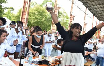 """The lunch, called """"Plaza Cuba"""", organized to thank the Cuban doctors who served during the Covid emergency at the OGR and the patients recovered from the disease at the Dora park in Turin, Italy, 12 July 2020. """"We are the third world and the third world has come to help the first world. We came to save lives. We must remember it. """" So Ileana Jimenez, a Cuban-born singer who worked as an interpreter at the Covid Hospital delle Ogr in Turin during the Coronavirus emergency, intervened today at the greeting lunch for Cuban doctors, organized by the agency for cultural and economic exchange with Cuba ANSA / ALESSANDRO DI MARCO"""