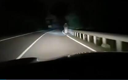 Bussolengo, un monopattino a 80 km/h sulle strade di notte. VIDEO