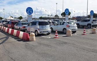 Covid: test rapidi a ritmo serrato in drive-in Fiumicino.