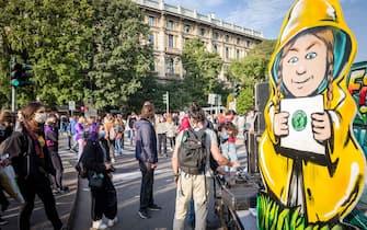 Milano. Friday for Future Manifestazione sesto sciopero per il clima da Largo Cairoli (Carlo Cozzoli/Fotogramma, Milano - 2020-10-09) p.s. la foto e' utilizzabile nel rispetto del contesto in cui e' stata scattata, e senza intento diffamatorio del decoro delle persone rappresentate