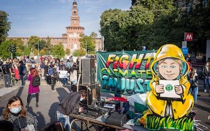 Fridays for Future, gli attivisti tornano nelle piazze italiane. FOTO
