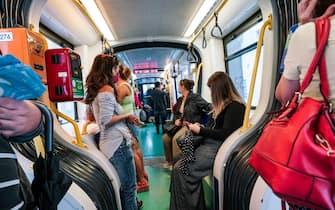 Covid,mezzi pubblici affollati nell'ora di punta.Torino 07 settembre 2020 ANSA/TINO ROMANO