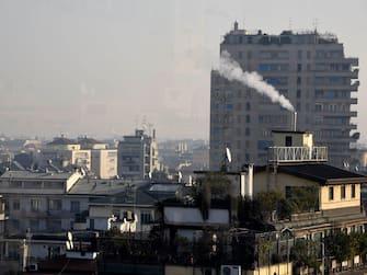 Milano, Smog (Simona Chioccia / IPA/Fotogramma, MILANO - 2020-01-16) p.s. la foto e' utilizzabile nel rispetto del contesto in cui e' stata scattata, e senza intento diffamatorio del decoro delle persone rappresentate