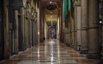 Covid, le immagini della prima notte di chiusura a Milano. FOTO
