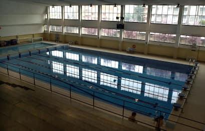 Studio: cloro della piscina inattiverebbe il coronavirus in 30 secondi