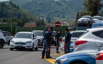 A1 Autostrada del Sole, deviation of traffic from north to south within the service area Chianti ovest to carry out traffic police checks on private vehicles during the COVID-19 emergency, Florence,16  April, 2020. ANSA / CLAUDIO GIOVANNINI