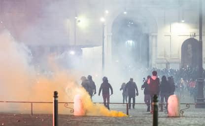 Covid Roma, disordini durante le proteste: arresti e denunce. FOTO