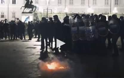 Manifestazioni per Dpcm anti-Covid: scontri a Milano, Torino e Napoli