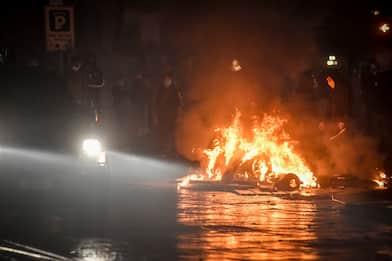 Manifestazione contro le misure anti-Covid a Torino, 10 arresti