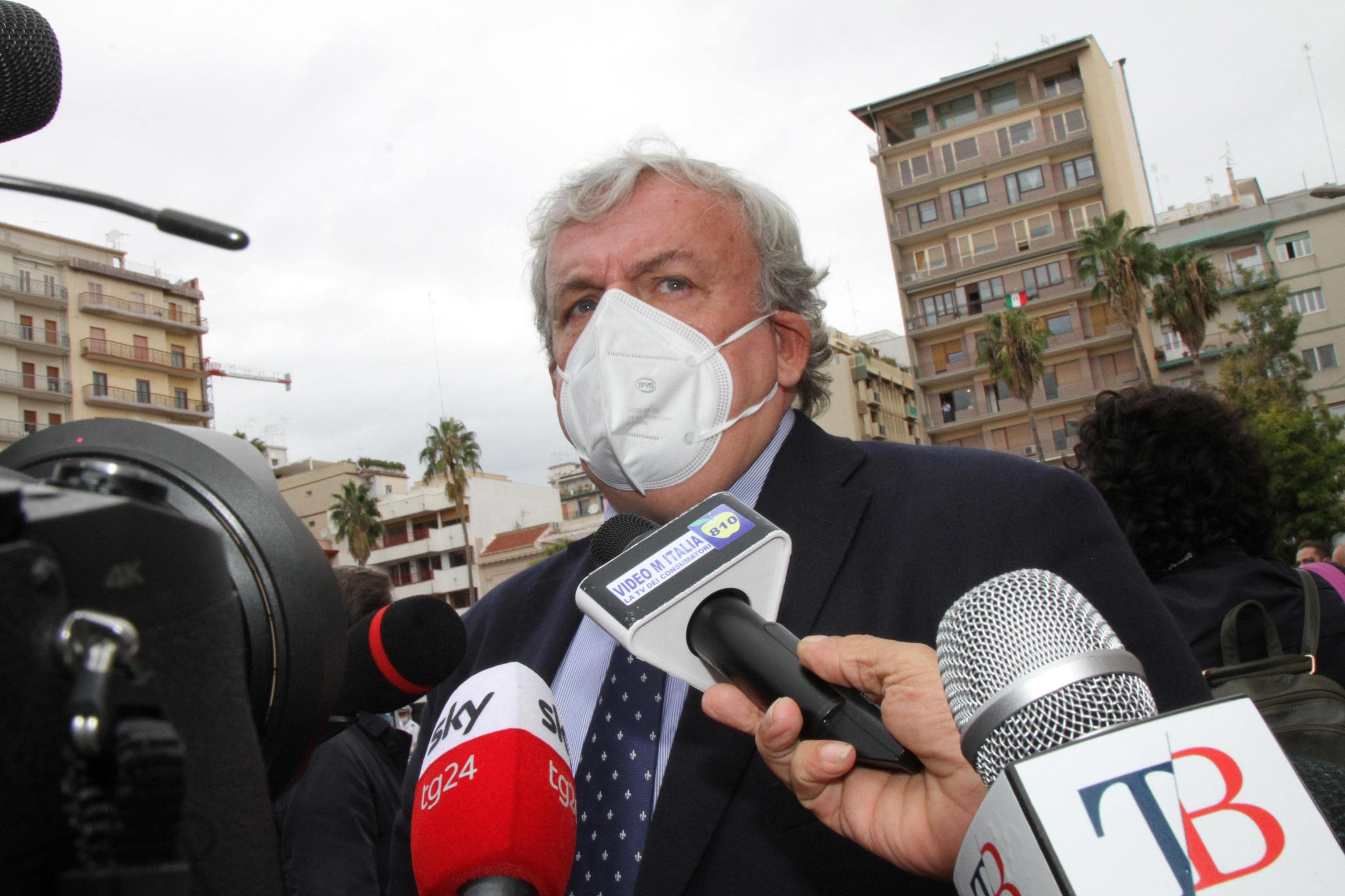 Verso la chiusura delle scuole in Puglia