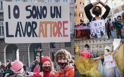 Covid, le proteste dei lavoratori del mondo dello spettacolo in Italia