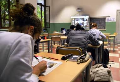 Covid, rientro a scuola per gli studenti delle nuove zone arancioni