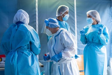 """Covid, anestesisti: """"Età non è criterio per accesso a cure intensive"""""""