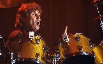 Il batterista dei Pooh, Stefano D'Orazio, in un'immagine d'archivio del 15 marzo 2006 a Piacenza.ANSA/PIER PAOLO FERRERI