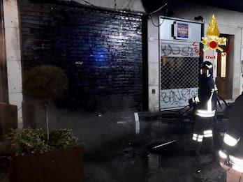 Padova, dati alle fiamme tre storici bar del centro