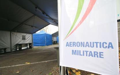 Covid: a Linate tende e tamponi drive in dell'Aeronautica militare