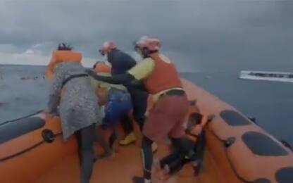 Naufragio nel Mediterraneo, lo strazio della mamma del neonato morto
