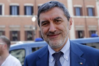 Il presidente della Regione Abruzzo Marco Marsilio al termine del vertice a Palazzo Chigi sulle Autonomie, Roma, 25 luglio 2019. ANSA/RICCARDO ANTIMIANI