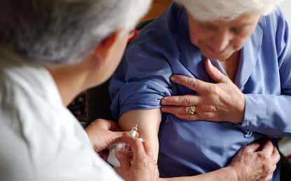 Vaccini, ordinanza Figliuolo: priorità a over 80 e persone fragili