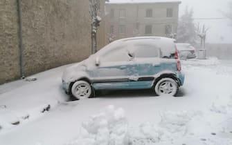 La neve che sta cadendo a Capracotta, in Molise, 21 novembre 2020.ANSA/NEVE APPENNINO