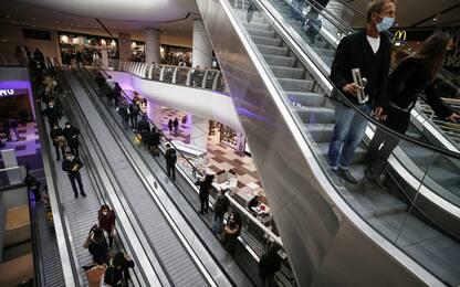 Dl aperture, salta il riavvio dei centri commerciali nei weekend
