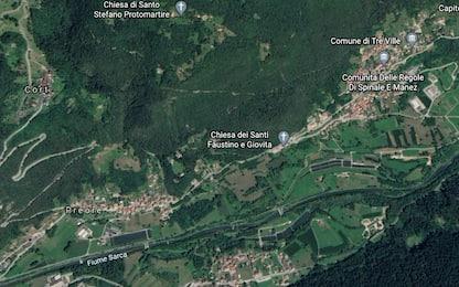 Trentino, si ribalta auto con 4 giovani a bordo: muore ragazza 15enne