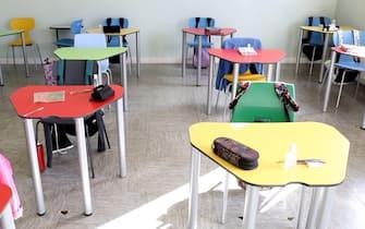 Scuola Guido Negri. Un mese dall'inizio dell'anno scolastico. Alunni in classe.   05 Ottobre 2020. Vo' Euganeo (PD)  ANSA/NICOLA FOSSELLA