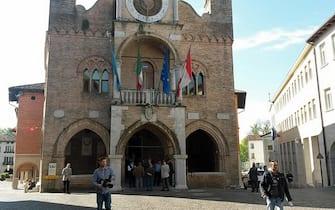 Il Municipio di Pordenone. ANSA/PIERLUIGI FRANCO
