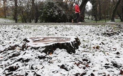 Neve a Milano, i fiocchi imbiancano la città. FOTO