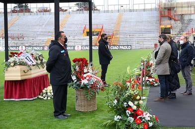 Paolo Rossi, la camera ardente allo stadio Menti di Vicenza. FOTO