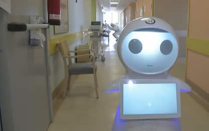 Covid19, infermiere robot in azione nell'ospedale di Varese