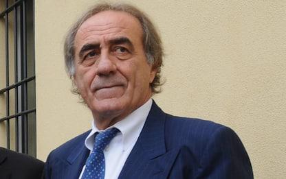 Milano, in centinaia per i funerali di Mauro Bellugi a Sant'Ambrogio