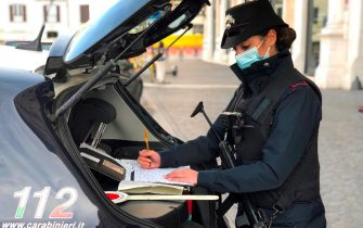 Controlli da parte dei Carabinieri del Comando Provinciale di Roma, 23 dicembre 2020. ANSA/CARABINIERI ?+++ ANSA PROVIDES ACCESS TO THIS HANDOUT PHOTO TO BE USED SOLELY TO ILLUSTRATE NEWS REPORTING OR COMMENTARY ON THE FACTS OR EVENTS DEPICTED IN THIS IMAGE; NO ARCHIVING; NO LICENSING +++
