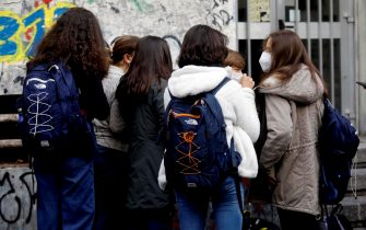 The entrance of students at the Alessandro Volta high school in Milan, Italy, 19 October 2020.ANSA/ MOURAD BALTI TOUATI