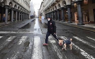 Il primo giorno dell'anno Torino città vuota e silenziosa, Torino, 1 gennaio 2021 ANSA/ALESSANDRO DI MARCO