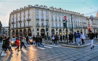 Torino, in zona Arancione via del centro Piazza Castello . (torino - 2021-01-09, costa1ftg) p.s. la foto e' utilizzabile nel rispetto del contesto in cui e' stata scattata, e senza intento diffamatorio del decoro delle persone rappresentate