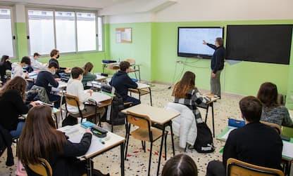 Scuola, al via i test Invalsi per 500mila maturandi