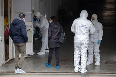 """Uccisa a Faenza, killer confessa: """"Promessi auto e 20mila euro"""""""