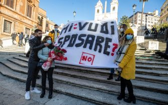The banner reading  'Do you want to marry me?' with whom a boy made the declaration of marriage to his fiancée on Valentine's Day, Rome, Italy, 14 February  2021 ANSA / MASSIMO PERCOSSI