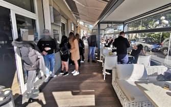 Ristoranti aperti a Ventimiglia presi d'assalto dai turisti francesi.