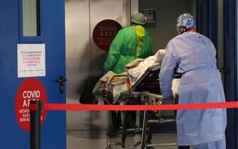 Il reparto covid dell'ospedale Poliambulanza di Brescia, 22 febbraio 2021.  Ansa/Filippo Venezia