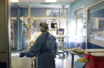 The Intensive Care Unit for Coronavirus Covid-19 patients at the Maggiore hospital in Cremona, Italy, 25 February 2021. ANSA/FILIPPO VENEZIA