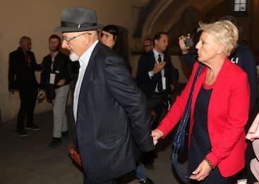 Firenze, chiesto rinvio a giudizio per genitori e sorella di Renzi