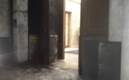 Iss, incendiato portone ingresso della sede a Roma: ogni pista aperta